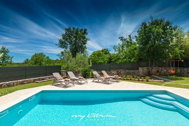 The villa has a private pool in beautiful istrian surrounding