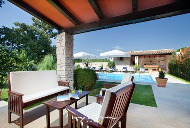 Lovely terrace overlooking villa´s pool
