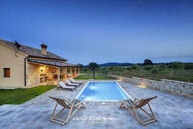 Villa Biba Ranch has an inviting pool