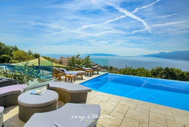 Villa Maelynn in Opatija with pool and stunning view