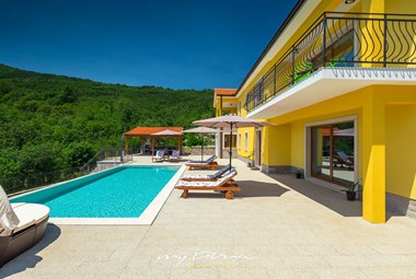 Lovely villa with pool in Kvarner region