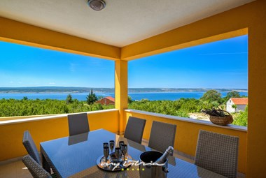 Beautiful villa with pool in Dalmatia