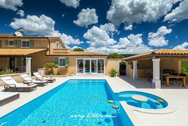 Fabulous villa with pool near Labin in Istria