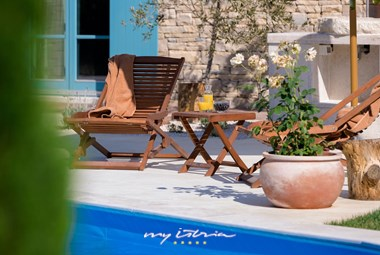 Enjoy the sun on the private pool of our Villa Kokola