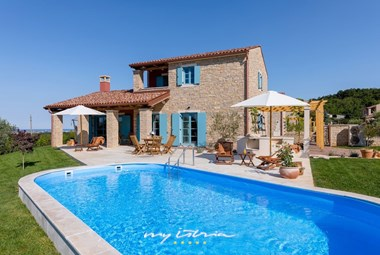 Beautiful villa with pool near Umag