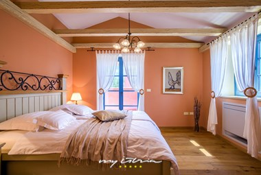 Double bedroom in Villa Parona near Umag
