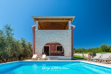 Villa Rea with pool in Porec