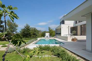 Villa with pool has a modern design