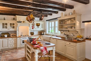 Bright kitchen in the lovely villa Sangermano