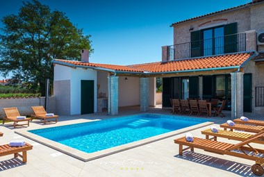 Villa Pomer can accommodate 10 persons