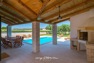 Try out the villa´s stone barbecue