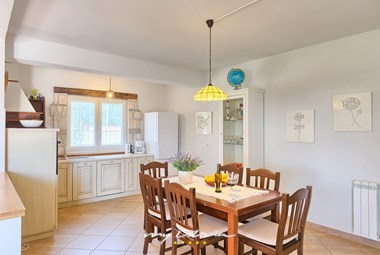 Light spacious kitchen and dining area in Villa Pianta