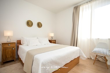 Lovely bedroom with king size bed in villa Casa Rotondo