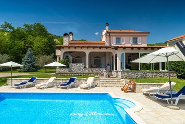Beautiful villa with pool in Kvarner