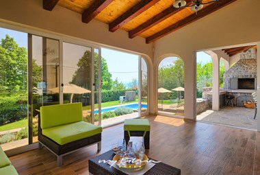 Lounge area in Villa Viva Mare with pool in Kvarner