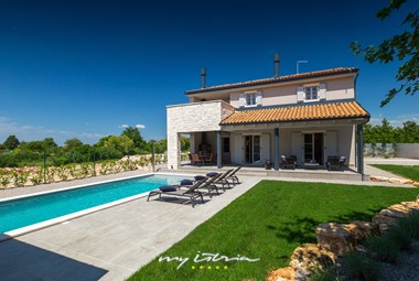 Lovely villa with 4 bedrooms