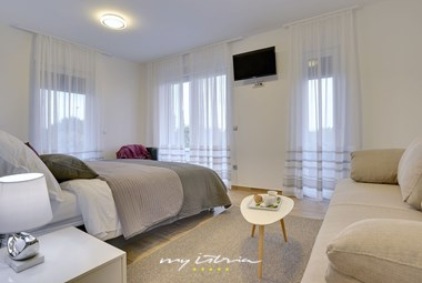One of 4 cosy bedrooms in our villa near Pula