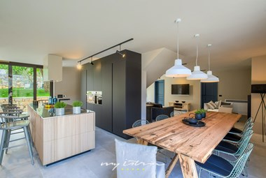 Modern, elegant kitchen and dining area - Vill Melon near Porec