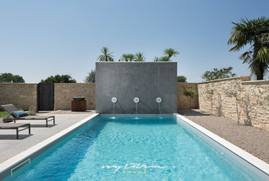 Enjoy your summer in the wonderful private pool in Villa Covri