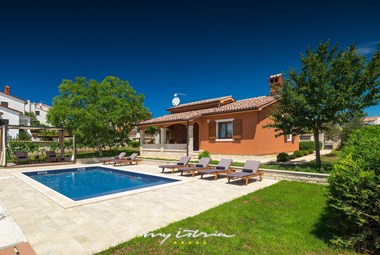 Villa Maria Betiga with charming garden and private pool in Betiga
