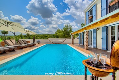 Fantastic luxury Villa Mek with private pool near Zadar