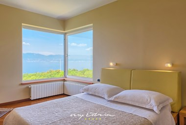 Double bedroom with sea view - Villa Kamik