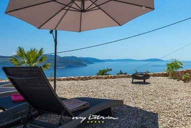 Sun loungers and umbrella from where you can admire the beautiful sea view - Villa Istra Panorama
