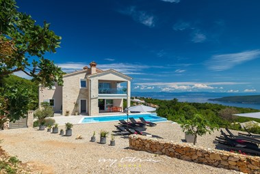 Enjoy your holiday in the fantastic Villa Istra Panorma with fantastic sea view