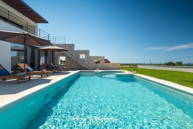 Amazing luxury villa with private pool and sea view near Rovinj