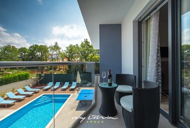 Lounge area on the balcony with beautiful view over the pool area - Villa Blue Pearl