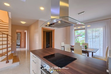 Fully equipped kitchen at villa Rosemary