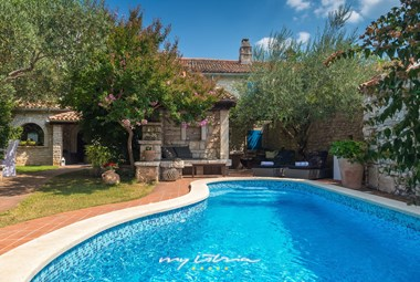 Charming Villa Edi with private pool and enchanting garden near Pula