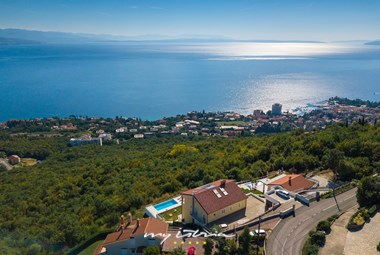 Villa Kelly with private pool in Opatija