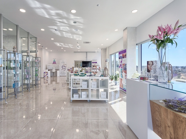 esensa-mediterana-body-care-factory-in-novigrad-with-products-on-display