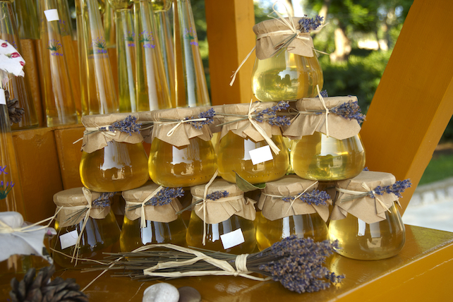 jars-of-homemade-honey-decorated-with.lavender-and-homemade-medica-behind-them