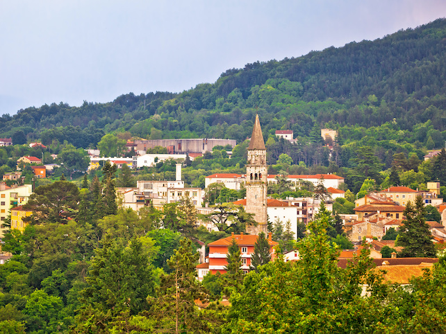 medieval-town-pazin-located-in-central-Istria-offer-great-views-of-surroundings