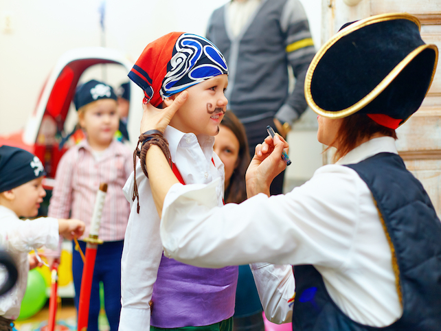 Preparation of a little pirate for the world famous carnival in Rijeka