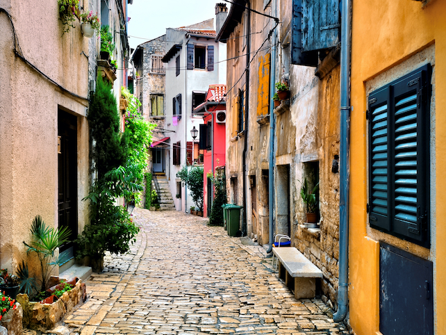Colorful houses and narrow streets of downtown Rovinj on the coast of Istria