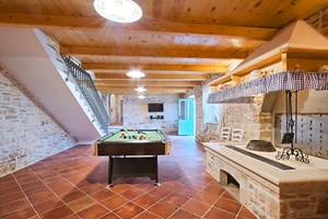 Villa Agra Tv room where you can also play pool