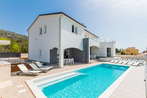 Villa White Gem Beautiful villa with pool in Istria