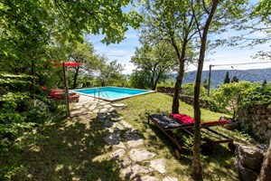 Villa Belga The villa has a carefully tended garden with plenty of natural shade